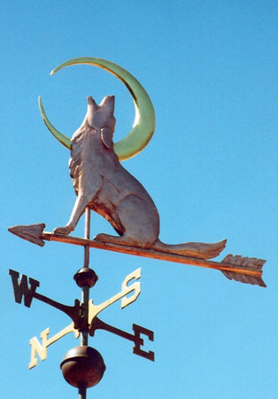 Weathervanes >> Coyote Weathervane Howling With Crescent Moon - Brass